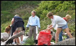 Shorwell Man Saves ST LAWRENCE Beach Cleaners