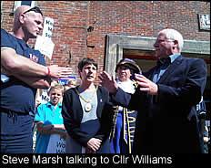 Steve marsh talking to Cllr Williams